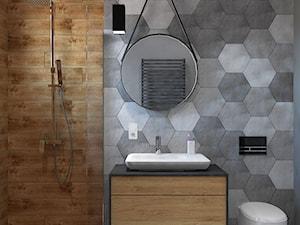 Dom w Ksawerowie - Mała szara łazienka na poddaszu w bloku w domu jednorodzinnym bez okna, styl skandynawski - zdjęcie od Design Factory Studio Projektowe