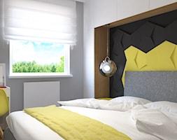 Osiedle Jarzębinowe w Łodzi - Mała szara żółta czarna sypialnia małżeńska, styl skandynawski - zdjęcie od Design Factory Studio Projektowe