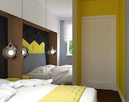 Osiedle Jarzębinowe w Łodzi - Mała żółta czarna sypialnia małżeńska, styl skandynawski - zdjęcie od Design Factory Studio Projektowe