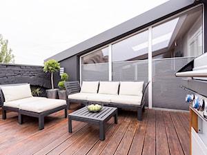 Poddasze w Kamienicy - Duży taras na dachu - zdjęcie od Design Factory Studio Projektowe