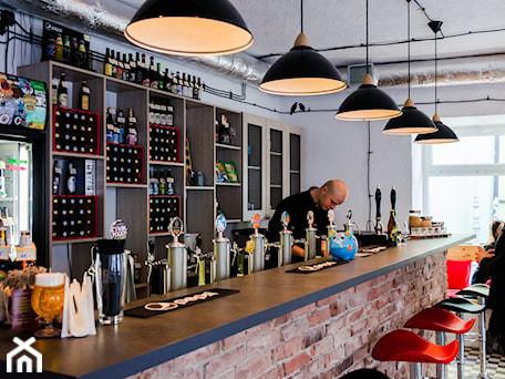 Aranżacje wnętrz - Wnętrza publiczne: Craft Beer Pub - Pracownia_A. Przeglądaj, dodawaj i zapisuj najlepsze zdjęcia, pomysły i inspiracje designerskie. W bazie mamy już prawie milion fotografii!