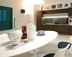 Veneta Cucine Extra - Mała biała szara kuchnia jednorzędowa w aneksie, styl eklektyczny - zdjęcie od Studio Estima Sopot