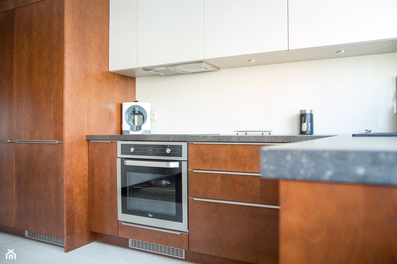 Aranżacja mieszkania i produkcja mebli ul.Wieniawskiego - Konin - Kuchnia, styl klasyczny - zdjęcie od DeGosh - Homebook