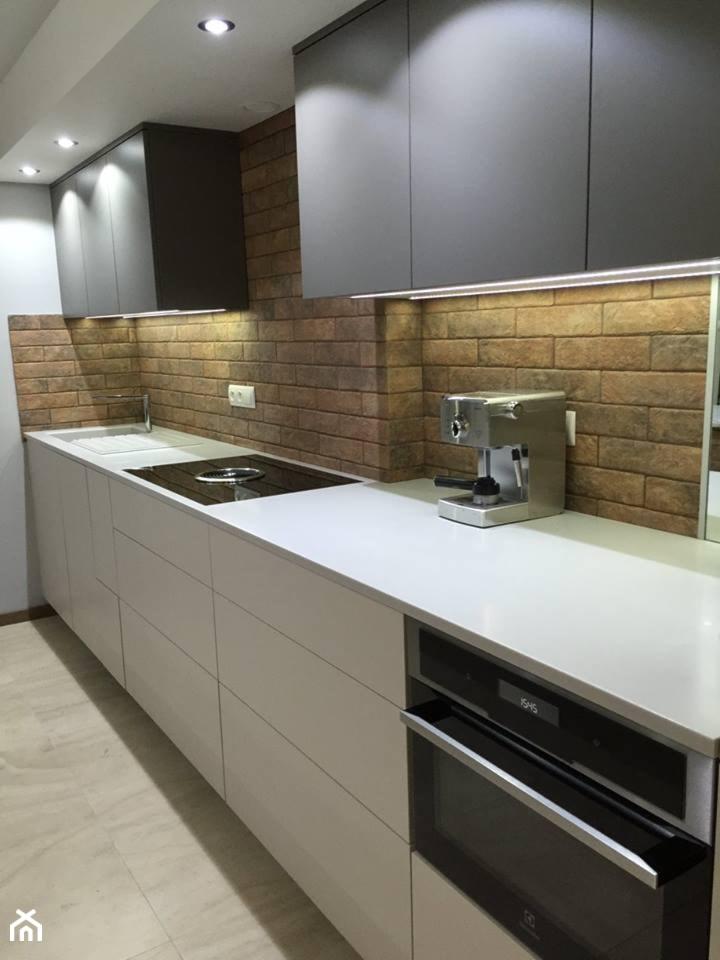 Kuchnie nowoczesne - Duża zamknięta szara kuchnia w kształcie litery l - zdjęcie od STUDIO ONYX