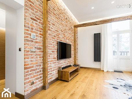 Aranżacje wnętrz - Salon: Mieszkanie w kamienicy - Średni biały salon, styl rustykalny - Archikąty . Przeglądaj, dodawaj i zapisuj najlepsze zdjęcia, pomysły i inspiracje designerskie. W bazie mamy już prawie milion fotografii!