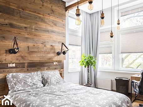 Aranżacje wnętrz - Sypialnia: Mieszkanie w kamienicy - Średnia beżowa biała sypialnia małżeńska, styl rustykalny - Archikąty . Przeglądaj, dodawaj i zapisuj najlepsze zdjęcia, pomysły i inspiracje designerskie. W bazie mamy już prawie milion fotografii!