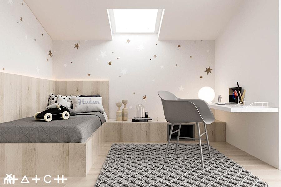 PROJEKT DOMU ŁÓDŹ ZŁOTNO - Mały biały pokój dziecka dla chłopca dla malucha, styl nowoczesny - zdjęcie od HATCH STUDIO