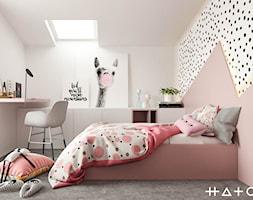 PROJEKT DOMU ŁÓDŹ ZŁOTNO - Średni biały różowy czarny pokój dziecka dla dziewczynki dla malucha, styl nowoczesny - zdjęcie od HATCH STUDIO