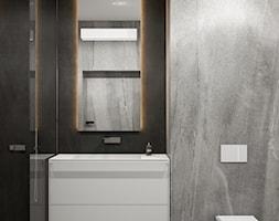 PROJEKT MIESZKANIA - WARSZAWA ŚRÓDMIEŚCIE - Mała czarna szara łazienka w bloku w domu jednorodzinnym ... - zdjęcie od HATCH STUDIO - Homebook