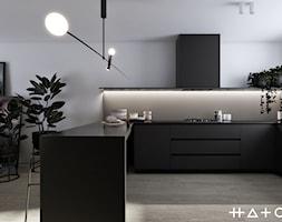 PROJEKT SZEREGOWCA - GDANSK BANINO - Średnia otwarta biała kuchnia w kształcie litery u w aneksie, styl minimalistyczny - zdjęcie od HATCH STUDIO