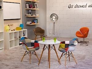 Wyjątkowy design w prostej formie - krzesła z serii P016 i P018