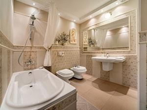 Wnętrze w stylu prowansalskim - Średnia beżowa łazienka bez okna, styl prowansalski - zdjęcie od LidiaWnetrza