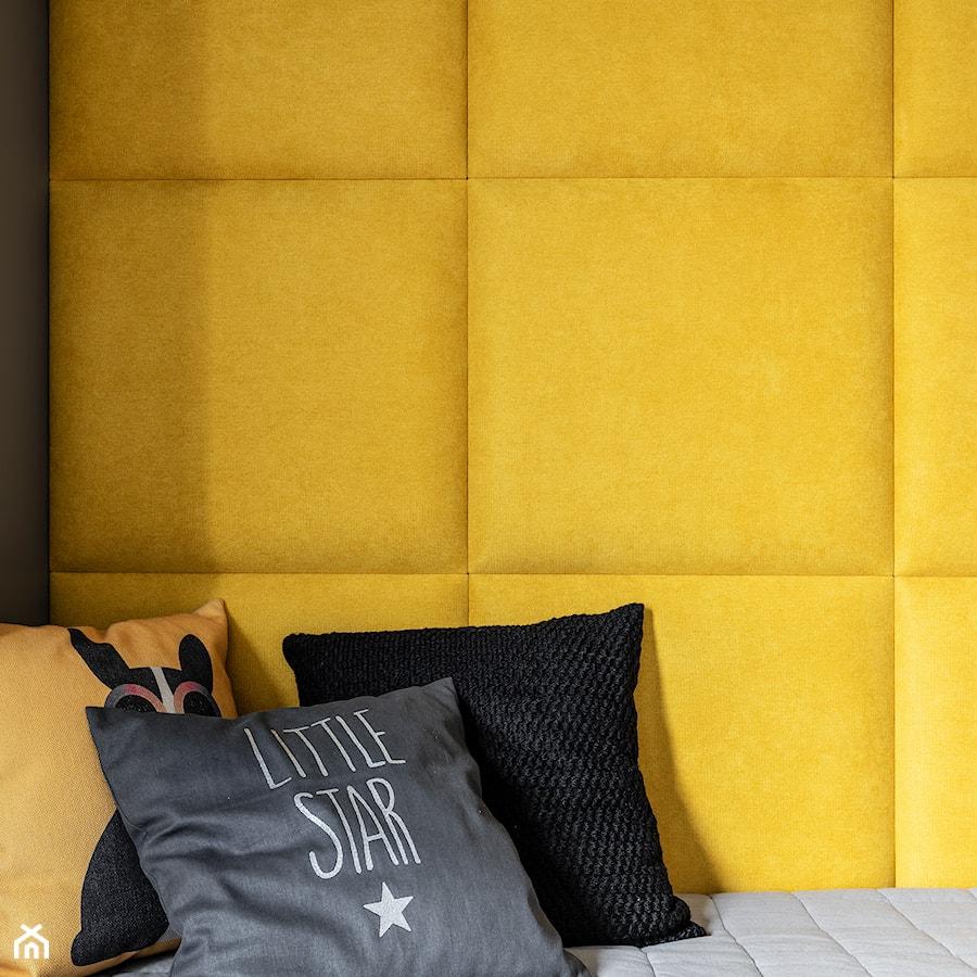 Dom w Poznaniu/REALIZACJA 2018 - Mały żółty czarny pokój dziecka dla chłopca dla dziewczynki dla malucha dla nastolatka, styl nowoczesny - zdjęcie od Żaneta Strażyńska