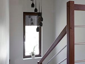 Dom pod Wolsztynem - Średnie wąskie schody dwubiegowe, styl nowoczesny - zdjęcie od Żaneta Strażyńska