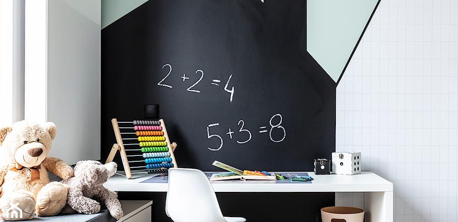 Farba tablicowa w pokoju dziecka – zobacz, jak pomalować pokój dla ucznia i przedszkolaka!