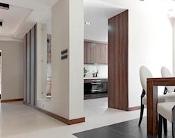 Dom pod Wolsztynem - Średnia otwarta beżowa jadalnia jako osobne pomieszczenie, styl nowoczesny - zdjęcie od Żaneta Strażyńska