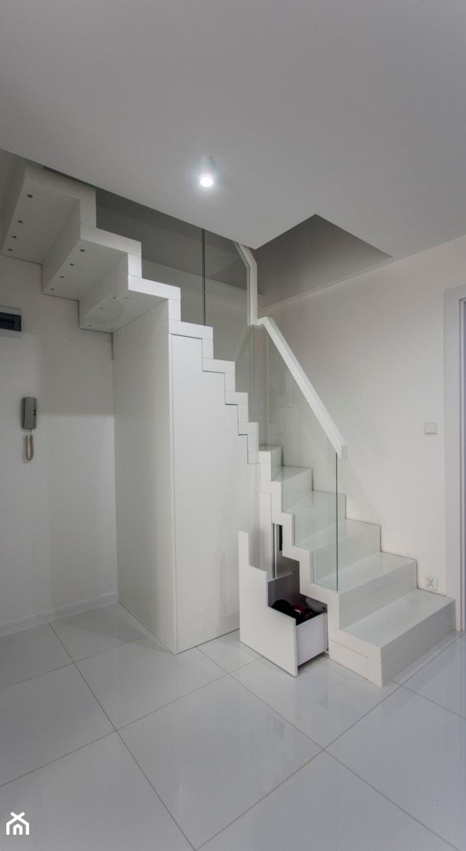 Schody Dywanowe Białe Zdjęcie Od Selfia Homebook