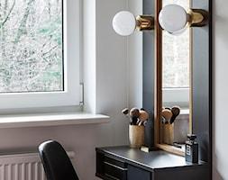 GDYNIA MIESZKAIE Z WIDOKIEM NA LAS - Mała biała sypialnia, styl nowoczesny - zdjęcie od em2pracownia - Homebook