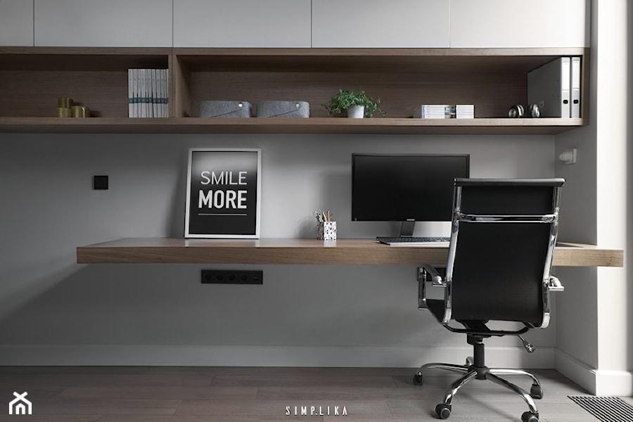 Aranżacje wnętrz - Biuro: DOMOWE BIURO - SIMPLIKA. Przeglądaj, dodawaj i zapisuj najlepsze zdjęcia, pomysły i inspiracje designerskie. W bazie mamy już prawie milion fotografii!