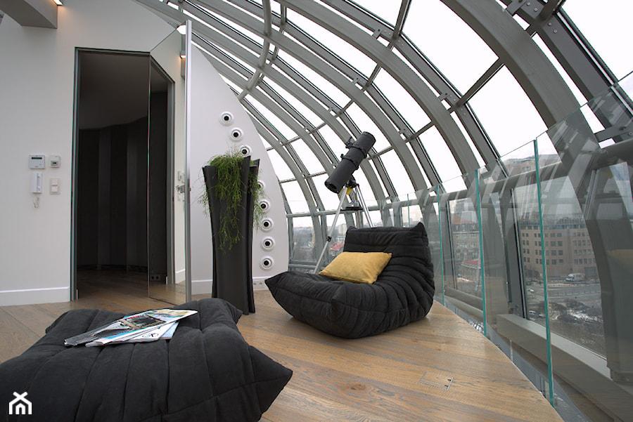Świetne mieszkanie w sercu Warszawy - zdjęcie od Szklarz Glass Decorator Nowoczesne Szkło dla Architektury