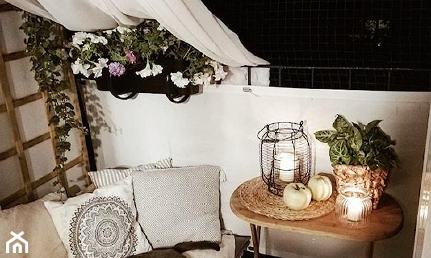 aranżacja jesiennego balkonu