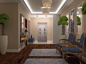 Eklektyczny luksus - Duży beżowy niebieski hol / przedpokój, styl klasyczny - zdjęcie od Home Atelier Aneta Rosińska-Dadsi