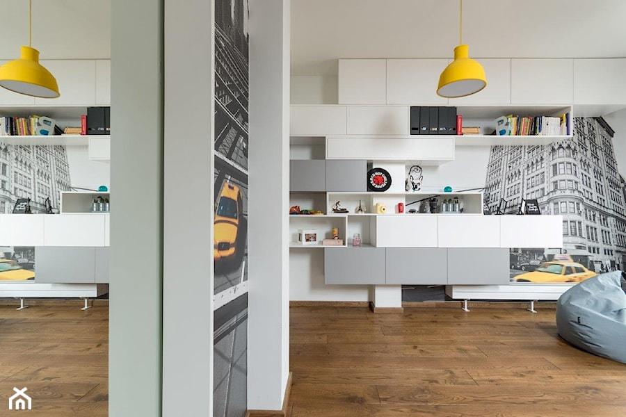 REZYDENCJA POD KRAKOWEM REALIZACJA - Średnia biała sypialnia, styl nowoczesny - zdjęcie od Insidelab