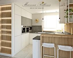 Dom jednorodzinny - Średnia otwarta beżowa szara kuchnia w kształcie litery g z wyspą z oknem, styl nowoczesny - zdjęcie od Marzena Podleśna