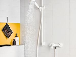 KLUDI PURE&EASY - Żółta łazienka w bloku w domu jednorodzinnym, styl eklektyczny - zdjęcie od KLUDI