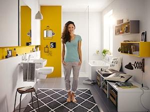 KLUDI PURE&EASY - Średnia biała łazienka w bloku w domu jednorodzinnym z oknem, styl eklektyczny - zdjęcie od KLUDI