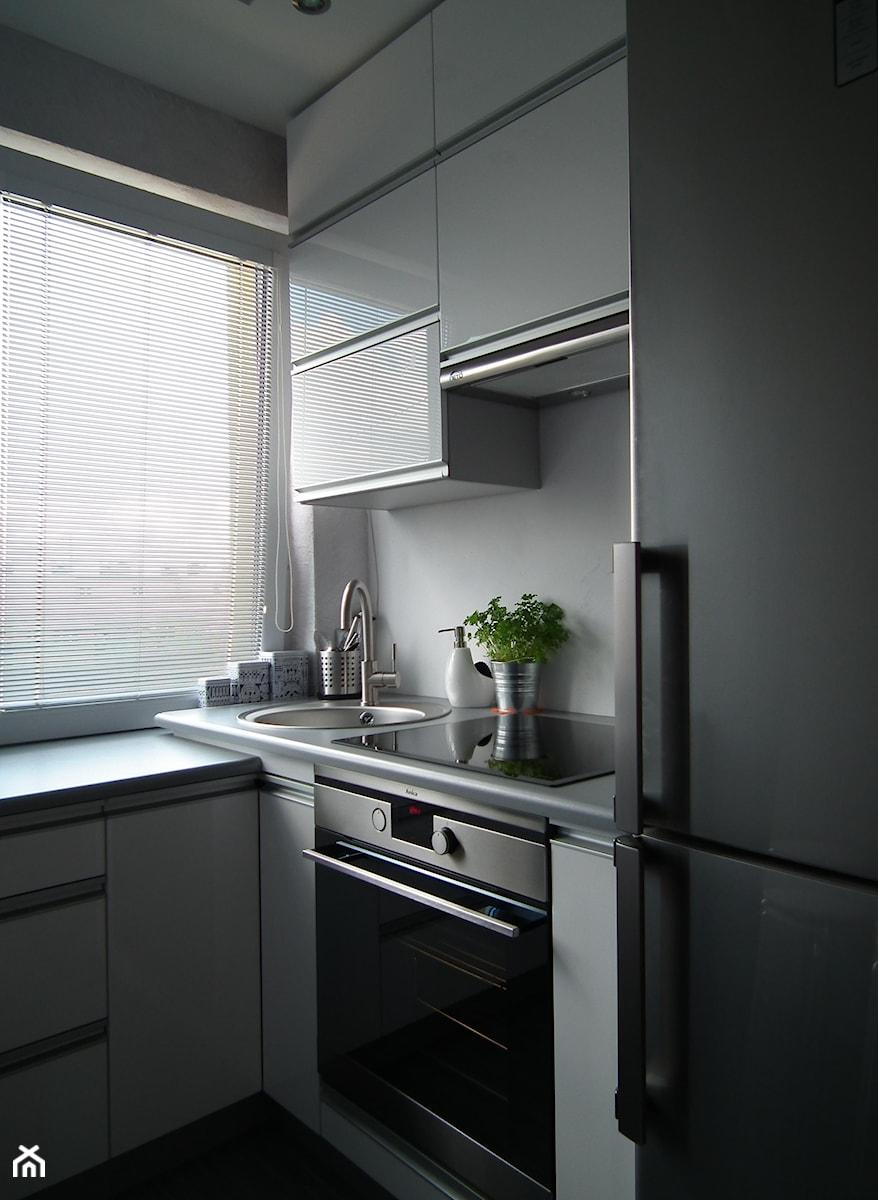 Biało szara kuchnia  zdjęcie od Sabina Pardel -> Kuchnia Fiona Szara