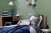 oliwkowa ściana w sypialni