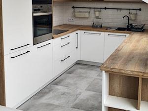 Kuchnia biel   drewno