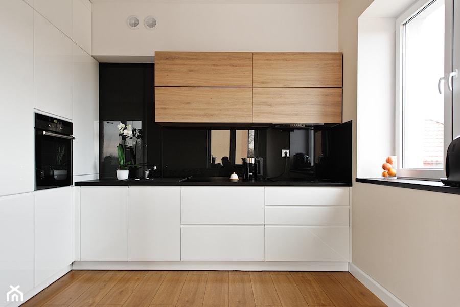 Powiew nowoczesności  Duża otwarta kuchnia w kształcie litery u, styl nowocz  -> Kuchnia Polowa Ceny