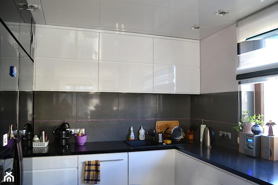 Kuchnia w bieli  zdjęcie od Marbud -> Kuchnia W Bloku W Bieli