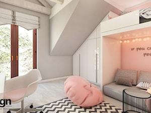 Cz_01 pokój starszej siostry - Średni szary różowy pokój dziecka dla dziewczynki dla ucznia dla malucha dla nastolatka, styl nowoczesny - zdjęcie od InSign Aranżacje i projekty wnętrz