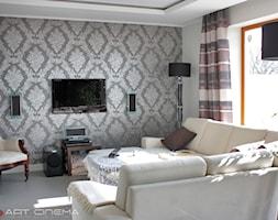20. Dom w południowej Polsce - 2011 - Średni szary biały brązowy kolorowy salon, styl klasyczny - zdjęcie od Art Cinema