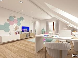 PO PROSTU UROCZO! - Duży beżowy pastelowy miętowy różowy pokój dziecka dla dziewczynki dla nastolatka, styl skandynawski - zdjęcie od MOTIF