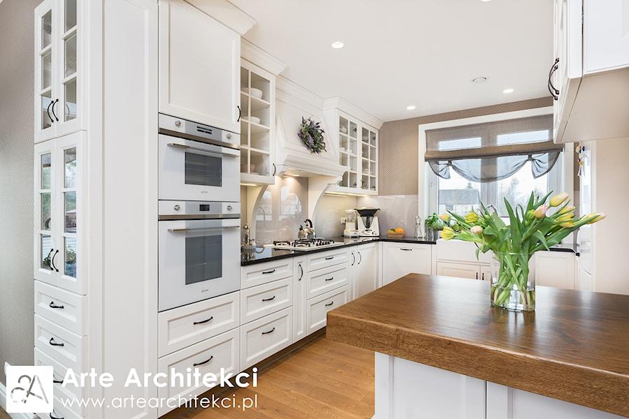 Szeregówka Białystok  Średnia otwarta kuchnia w kształcie   -> Kuchnia Angielska Oświetlenie