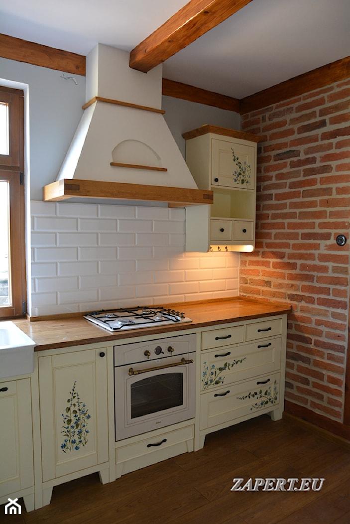 Kuchnia w stylu wiejskim ręcznie malowana - zdjęcie od KUCHNIE RUSTYKALNE zapert.eu, Marcin Zapert - Homebook