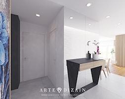 Dom w Gdyni - Duży biały hol / przedpokój - zdjęcie od Arte Dizain