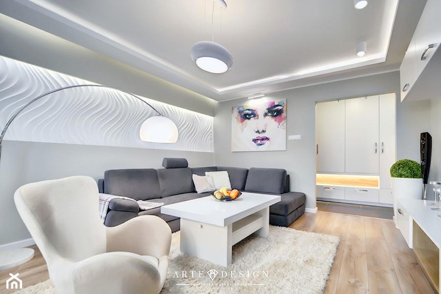 Apartament w Gdyni - Średni szary biały salon, styl nowoczesny - zdjęcie od Arte Dizain
