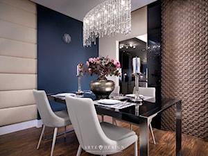 Apartament w Gdańsku - Średnia otwarta beżowa niebieska jadalnia w salonie, styl nowoczesny - zdjęcie od Arte Dizain