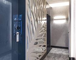 Sopocki pensjonat - Średni niebieski szary hol / przedpokój - zdjęcie od Arte Dizain