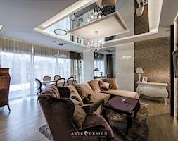 Elegancki apartament w Gdyni - Średni biały kolorowy salon, styl glamour - zdjęcie od Arte Dizain