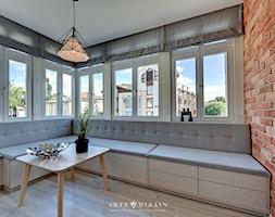 Mieszkanie na wynajem - Sopot - Mały szary brązowy salon, styl tradycyjny - zdjęcie od Arte Dizain