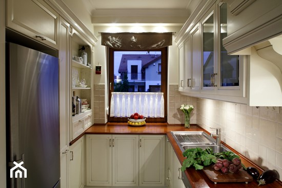 Wąska kuchnia  JAK JĄ URZĄDZIĆ?  Ideabook użytkownika   -> Kuchnia Projekt Bella