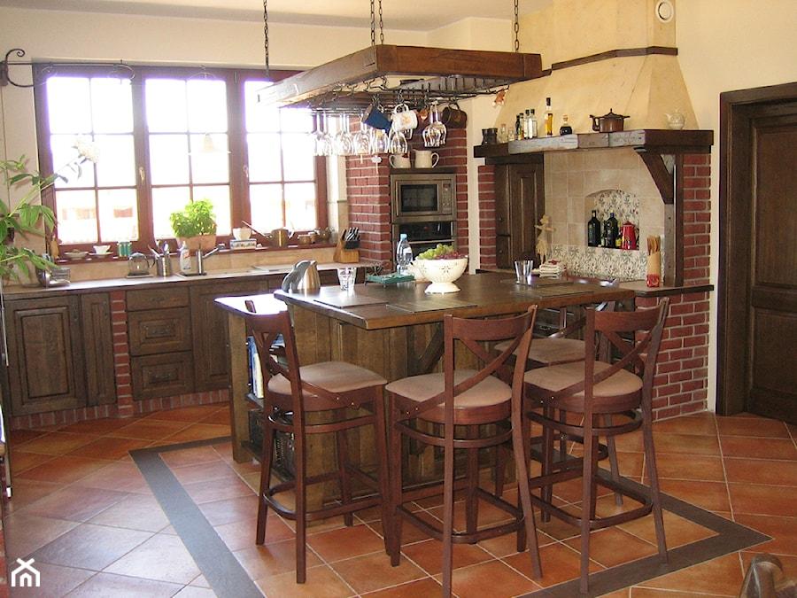 kuchnie rustykalne  Kuchnia, styl rustykalny  zdjęcie od INNA Manufaktura W