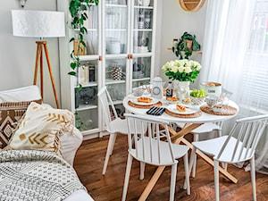 Salon z okrągłym stołem