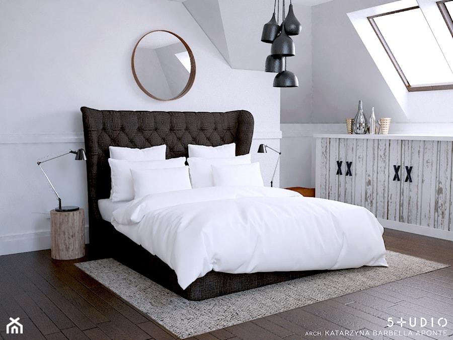 dom dla pary alternatywa - Mała biała szara sypialnia dla gości na poddaszu, styl skandynawski - zdjęcie od BARBELLA INTERIORS ( dawniej 5tud10 architektoniczne)